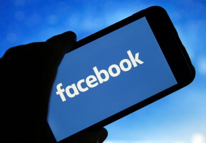 """""""Facebook"""" reklamsız qalır  - 200-dən çox şirkət boykota qoşuldu"""