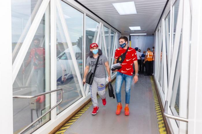 AZAL opera vuelo chárter de Riad a Bakú para evacuar a 83 ciudadanos al país
