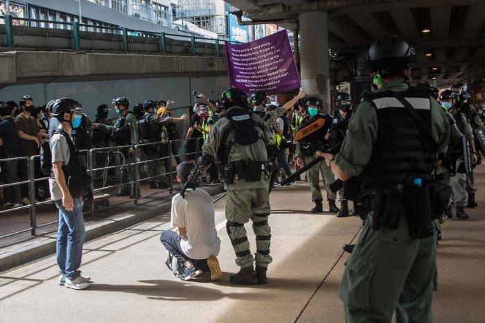 Hongkong: une première inculpation prononcée en vertu de la loi sur la sécurité
