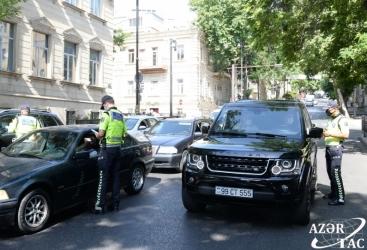 Azerbaiyán multa a 1.874 personas por violar reglas de confinamiento por coronavirus