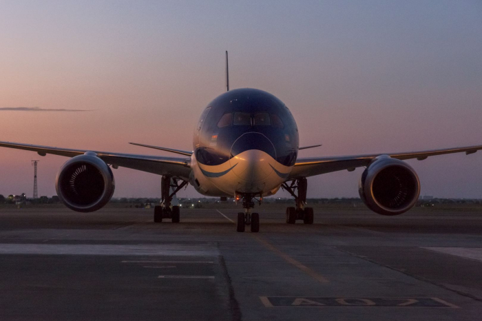 AZAL to continue operating special flights to Istanbul, Berlin and London until the end of October