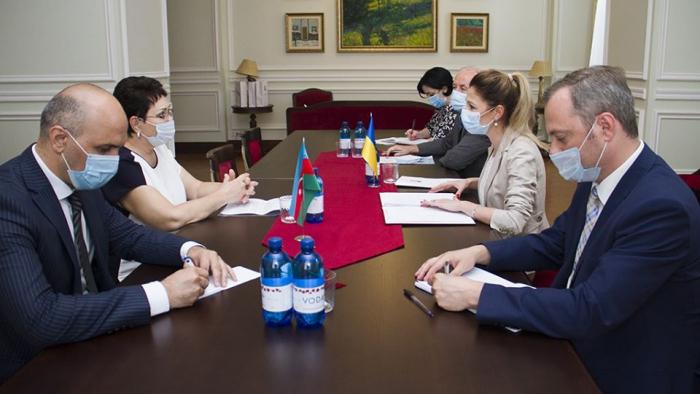 أذربيجان ترسل أكبر مساعدة لأوكرانيا