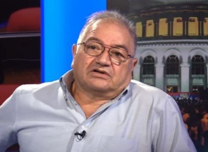 Ermənistanda nazirin tribunala verilməsi tələb olundu