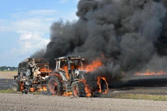 Qəbələdə traktor yanıb