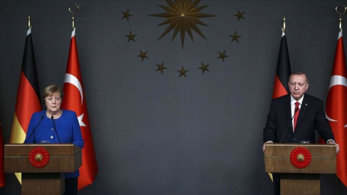 Erdogan et Merkel échangent sur la Libye et la Syrie