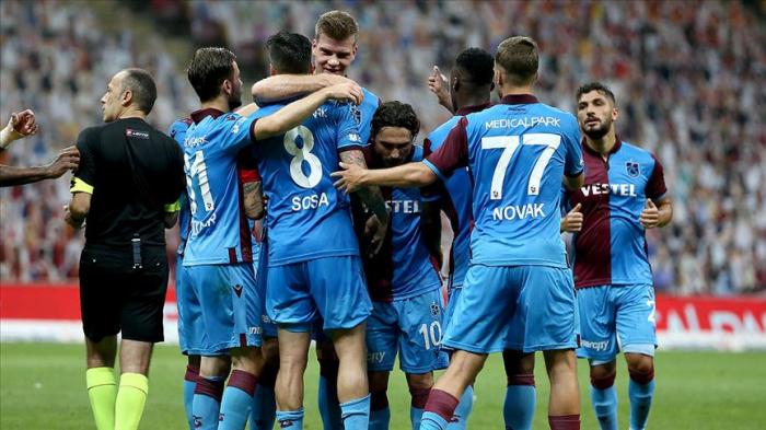 """""""Qalatasaray"""" """"Trabzonspor""""a uduzdu"""