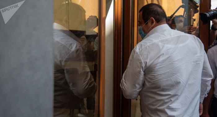 """Ermənistanda müxalif deputatların """"ovuna"""" başlanıldı"""