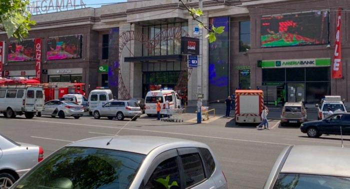 İrəvanda bomba həyəcanı:  1800 nəfər təxliyə edildi
