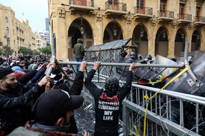 Beyrutda aksiyalar dağıdıldı, 728 nəfər yaralandı -  YENİLƏNİB