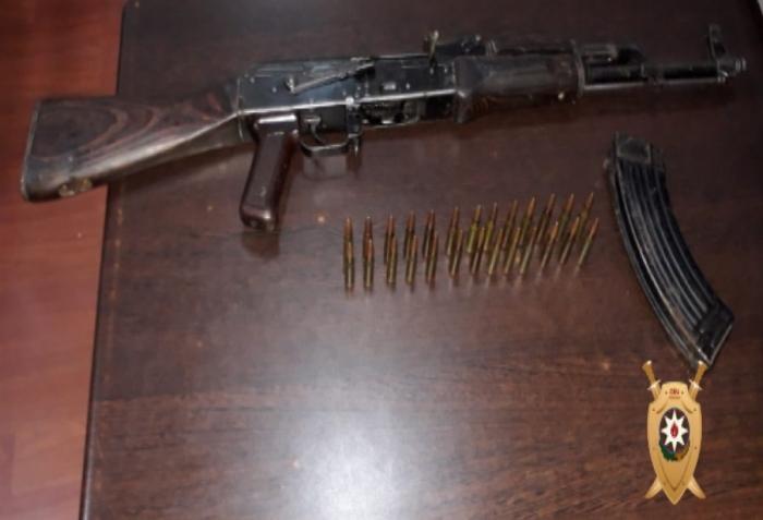 İki nəfərdən silah-sursat götürüldü -  Polisdən əməliyyat