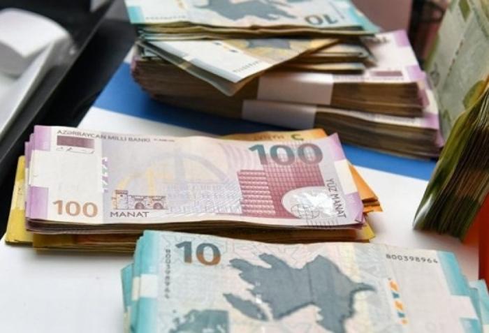 Ölkədə əməkhaqqı fondu 50 faizdən çox artıb