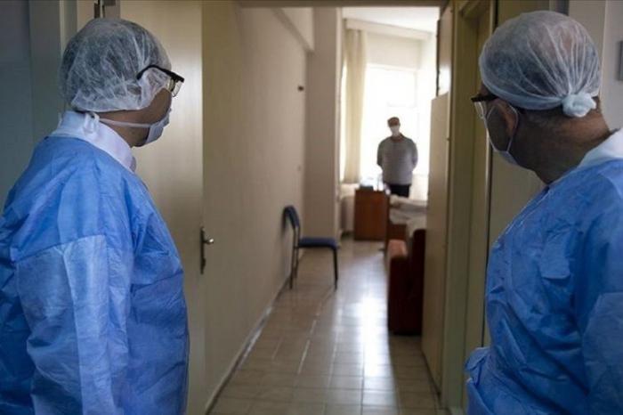 Türkiyədə daha 18 nəfər koronavirusdan ölüb