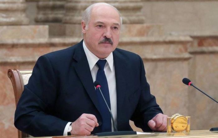 """""""Bizə qarşı kimsə """"hibrid müharibə"""" aparır"""" -  Lukaşenko"""