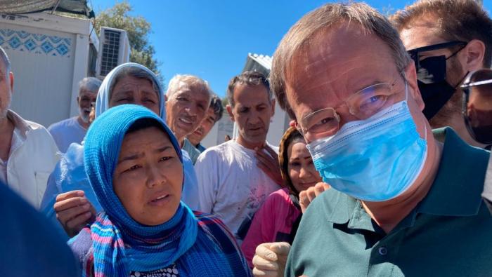 Laschet besucht Flüchtlingslager