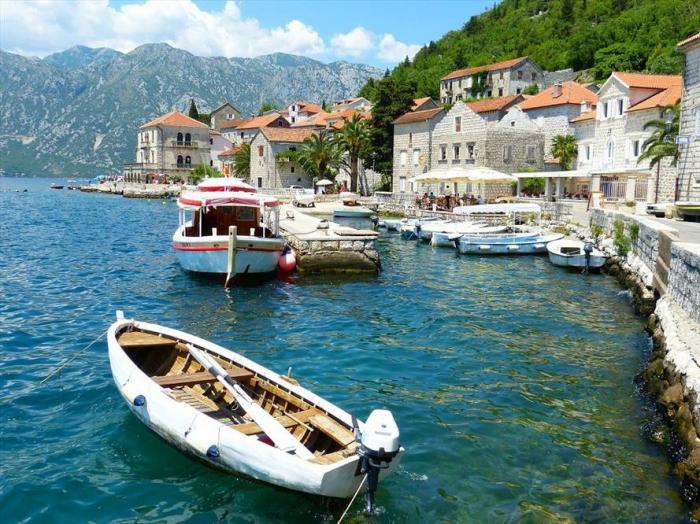 Montenegro reopening borders to Azerbaijanis