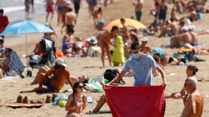 OMS  : El número de jóvenes con covid-19 se triplicó en cinco meses