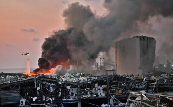 Adviertenpor posibles gases tóxicos tras explosión en Beirut