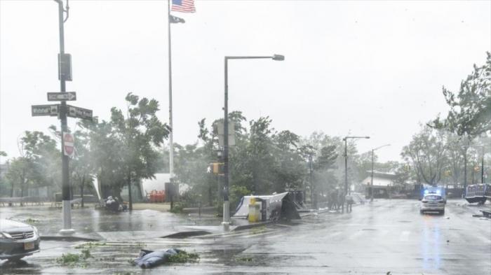 Un muerto y más de un millón sin luz en Nueva York a causa de la tormenta