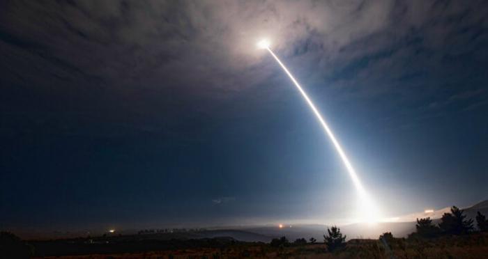 Einschlag des Hyperschallgleiters: US-Armee zeigt Auswirkungen -     Video