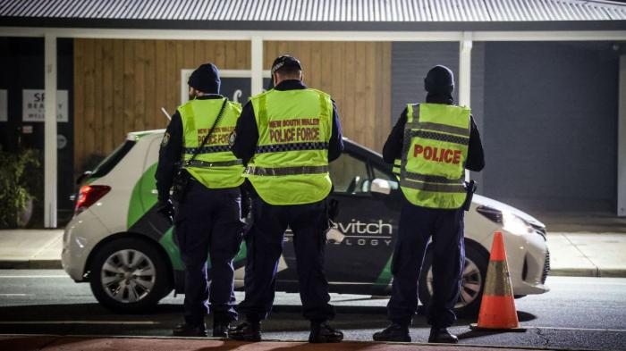 La policearrêtedeux Australiens qui préparaient une manifestation contre le confinement