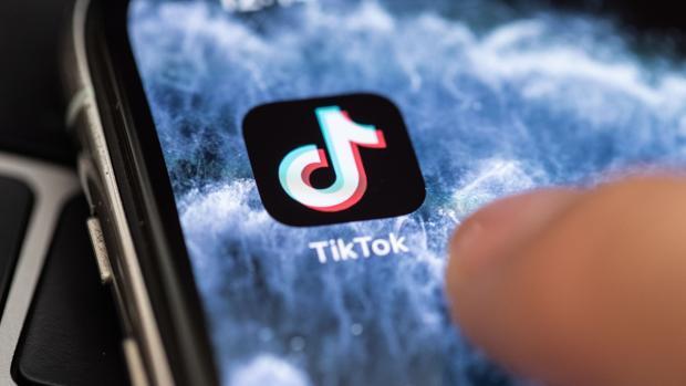 TikTok prohíbe los «deepfakes» dañinos con el motivo de combatir los bulos