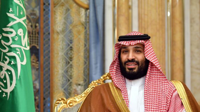 Exespía saudita acusa de su intento de matarlo