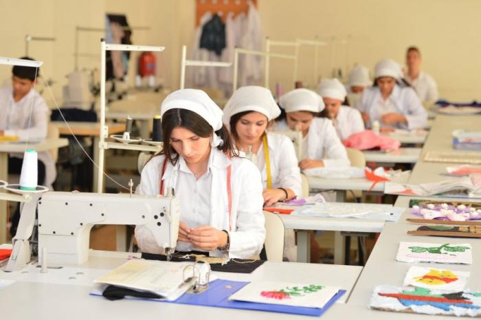 Peşə təhsil pilləsi üzrə tələbə qəbulu davam edir