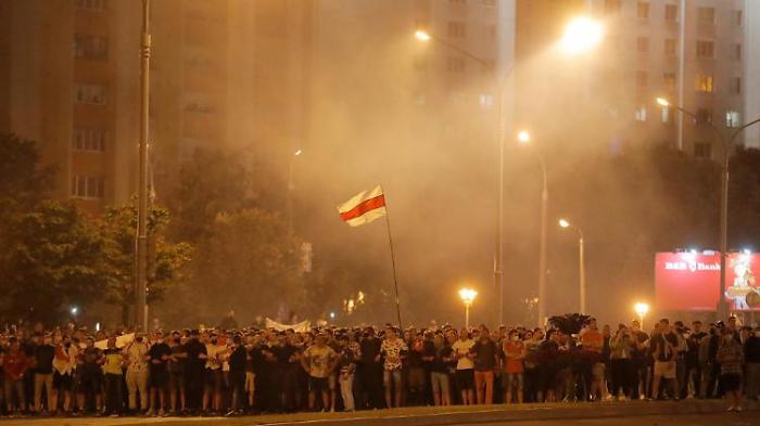 Straßenkämpfe nach Wahl in Belarus