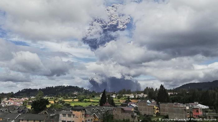Warning of lava issued after Indonesia volcano eruption