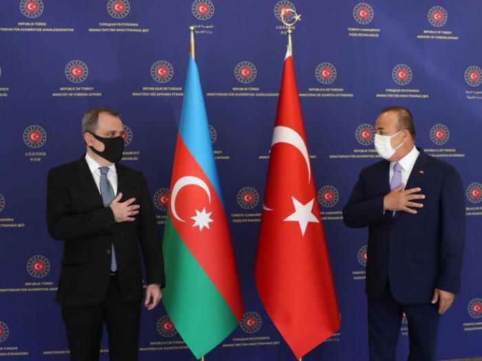 Des ministres azerbaïdjanais et turc des affaires étrangères se réunissent à Ankara