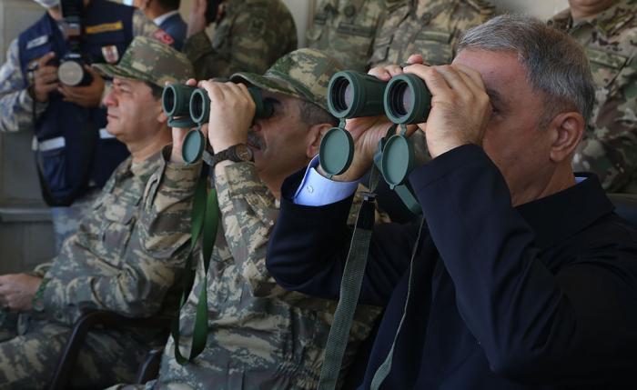 Zakir Hassanov et Hulusi Akar ontsuivi les exercices militaires conjoints -  PHOTOS