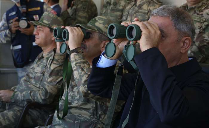 Heads of Defense Ministries of Azerbaijan and Turkeyobserve joint flight-tactical exercises -  PHOTOS