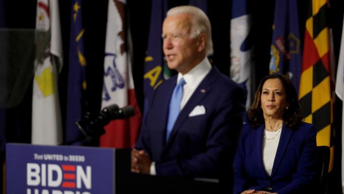 "Trump calificó de ""mujer loca"" a Kamala Harris, candidata demócrata a la vicepresidencia"