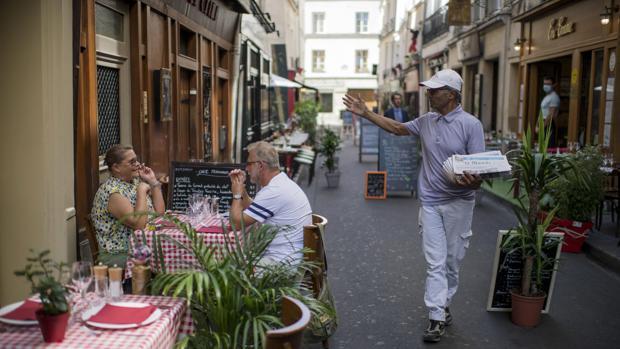 París y Marsella vuelven a ser «zonas de circulación activa del COVID-19»