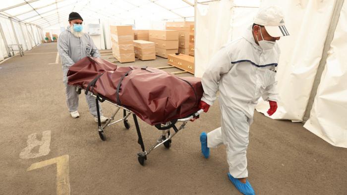 Los rumores y las desinformaciones sobre el coronavirus han matado a más de 800 personas