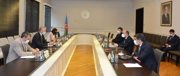 Ministro azerbaiyano de Educación se reúne con Kestutis Jankauskas