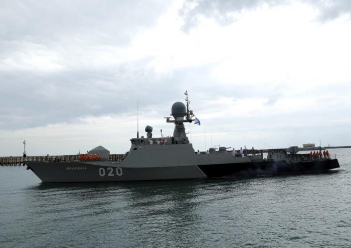 Russian warships arrive in Baku -  VIDEO