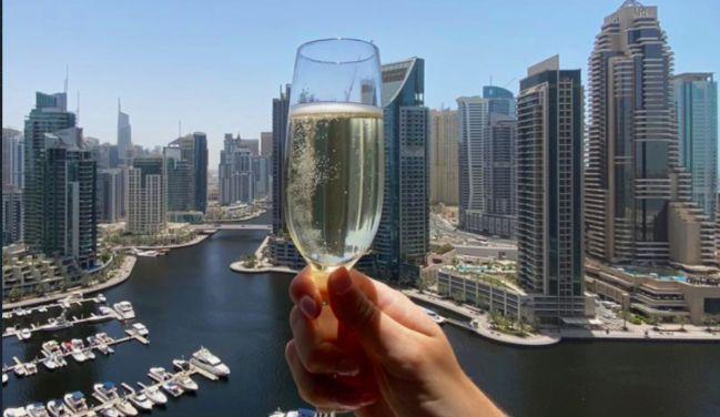 Dubai relaxes alcohol laws to ease economic depression