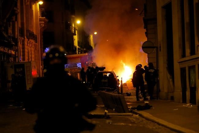 PSG fans clash with Paris police following match withBayern Munich