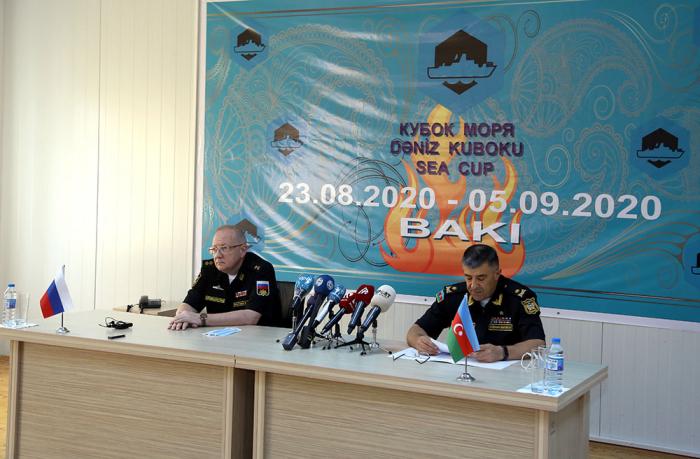 Azerbaijani Naval Forces commander meets Russian delegation