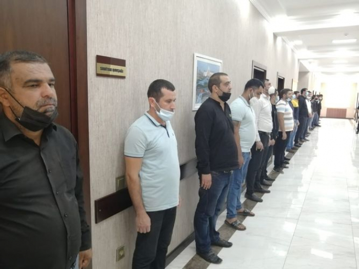 Vüqar Biləcərinin dəfnində iştirak edənlər cəzalandırıldı -    FOTO