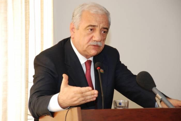 """Deputat:    """"Bəs bizə niyə vəsait ayrılmır?"""""""