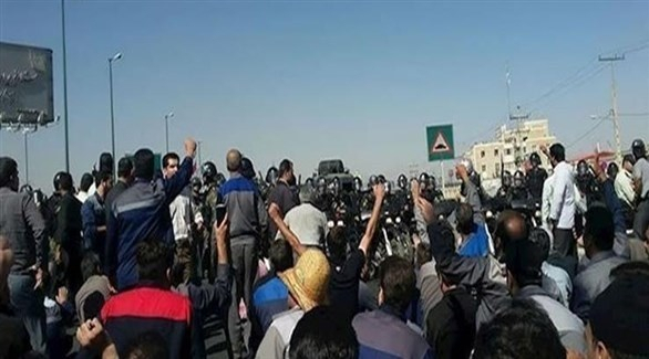 مقاولون ينظمون احتجاجاً في مصفاة قشم الإيرانية