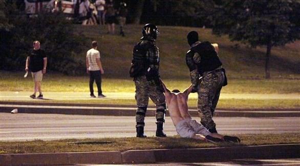 اعتقال أكثر من 120 شخصاً في اشتباكات عنيفة بعد انتخابات بيلاروسيا