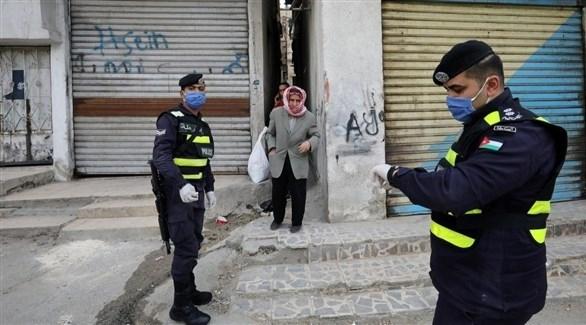 فرض وضع الكمامات لمكافحة كورونا السبت في الأردن