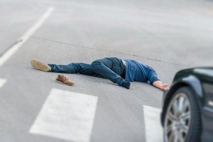 Yolu keçən piyadanı maşın vurub öldürdü