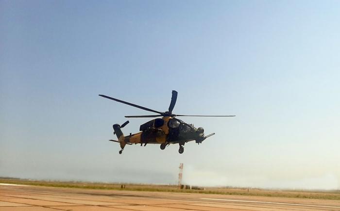 Təlimlərə döyüş helikopterləri də cəlb edildi -
