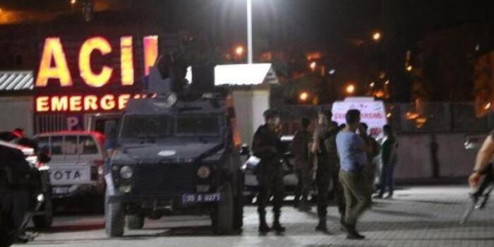 Türkiyədə polislər qəzaya düşdü, iki nəfər öldü