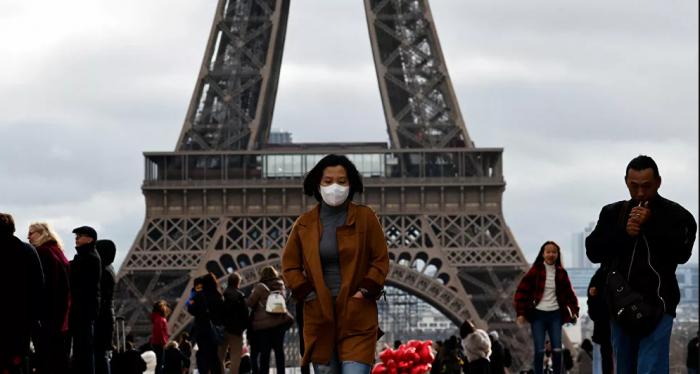 سلطات باريس تفرض ارتداء الكمامة في عدة مناطق
