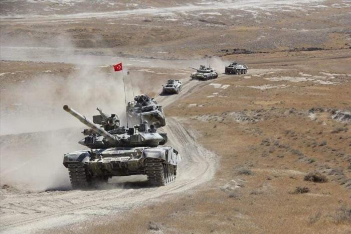 Continúan los ejercicios militares conjuntos de Azerbaiyán y Turquía